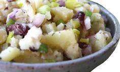 Looking for a new potato salad recipe to make for your Memorial Day cookout? Try this Greek potato salad. I know some people who do not eat. Veggie Side Dishes, Side Dish Recipes, Greek Potato Salads, Kitchen Kapers, Diabetic Friendly, Some Recipe, Meal Planning, Food To Make, Veggies
