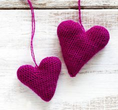 Crochet pink hearts on wooden background by Anjelika Gretskaia on 500px