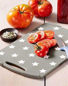 Jak se vaří v cizině: Kuchyňské pomůcky pro mezinárodní kuchyni Plastic Cutting Board, Kitchen, Cooking, Kitchens, Cuisine, Cucina