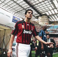 Kaká Ac Milan Ac Milan, Milan Wallpaper, Ricardo Kaka, Patrick Vieira, Al Ahly Sc, Uefa Champions League, Best Player, Fifa World Cup, Football Players