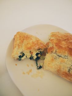 Wondering what to cook for dinner tonight? Quick and Easy Spinach & Fetta Pie Recipe is it! Get the recipe here and get cooking! Fat Mum Slim, Healthy Snacks, Healthy Recipes, Appetizer Dips, What To Cook, Dinner Tonight, Pie Recipes, Spinach, Vegetarian