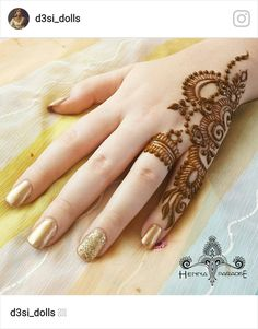 Mehndi is something that every girl want. Arabic mehndi design is another beautiful mehndi design. We will show Arabic Mehndi Designs. Mehndi Designs Finger, Henna Tattoo Designs Simple, Simple Arabic Mehndi Designs, Henna Hand Designs, Mehndi Designs 2018, Mehndi Designs For Beginners, Mehndi Designs For Girls, Mehndi Design Photos, Mehndi Designs For Fingers