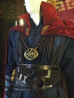 Doctor Strange was one hell of a thrill ride with. Female Marvel Cosplay, Marvel Heroes, Marvel Avengers, Doctor Strange Cloak, Dr Strange Costume, Cloak Of Levitation, Costume Armour, Costumes Couture, Cosplay Diy