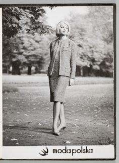 """""""Modna i już! Moda w PRL"""" - zdjęcie archiwalne MNK, fot. materiały prasowe MNK Fashion Vintage, Retro Vintage, Vogue, Models, How To Make, Style, Poland, Woman, Templates"""