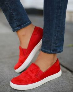 Nada transmite mais a vibe Nem estou me esforçando prefiro o conforto do que um bom par de sapatos sem salto. Inspire-se nos modelos que separamos para você no taofeminino.com.br