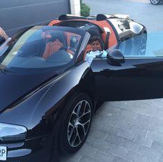 Cristiano Ronaldo and son play in €1.5 million Bugatti sports car…