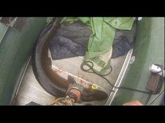 вот смотри большая удача щука на 11 кг  с лодки  на спиннинг а собака пр...