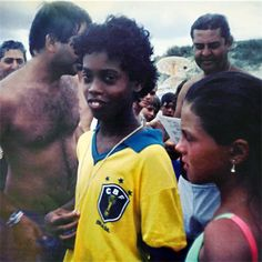 All pictures contained on Citizen Cosmos were collected from different public sources. Brazil Football Team, Brazil Team, Best Football Players, World Football, Soccer Players, Football Soccer, Football Jokes, Ronaldinho Skills, Funny Soccer Memes