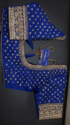 Fancy Blouse Designs, Saree Blouse Designs, Zardosi Work, Indian Bridal Fashion, Designer Blouse Patterns, Kanchipuram Saree, Work Blouse, Hand Designs, Beaded Embroidery