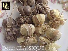 Petit Onion Tassels (Original) http://www.decorclassique.com