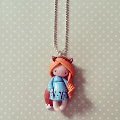 Collier petite fille renard - rousse en bleu