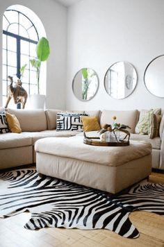Usar espelho em cima do sofá pode?