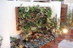 壁面緑化の施工事例