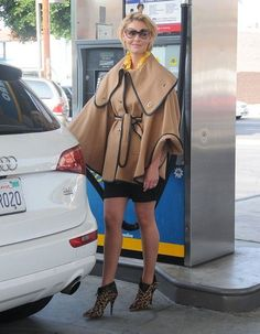 Katherine Heigl - not digging the coat but her legs are noteworthy