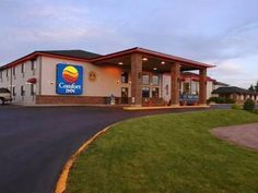 Rapid City (SD) Comfort Inn I90 Rapid City United States, North America Comfort Inn I90 Rapid City is a popular choice amongst travelers in Rapid City (SD), whether exploring or just passing through. The hotel has everything you need for a comfortable stay. All the necessary facilities, including 24-hour front desk, Wi-Fi in public areas, car park, airport transfer, business center, are at hand. Air conditioning, wake-up service, desk, alarm clock, telephone can be found in se...