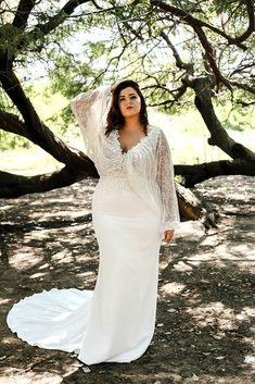 pluse size fitted wedding dress with batwing sleeve, sequind lace beaded lace gown plus size Curvy Babe-Plus size wedding gowns - Studio Levana - Couture Wedding Gowns Couture Wedding Gowns, Luxury Wedding Dress, Boho Wedding Dress, Dream Wedding Dresses, Bridal Dresses, Lace Wedding, Wedding Rustic, Boho Bride, Wedding Vows