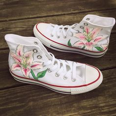 Zapatos Converse de flores de lirio personalizados pintados a mano