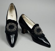 1914-1917, America - Pair of Woman's Pumps by Laird, Schober & Co. - Kid leather, leather, grosgrain ribbon
