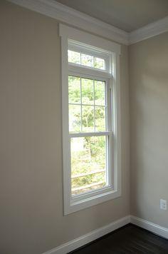 Super bath room paint colors with wood trim crown moldings 36 ideas Craftsman Window Trim, Interior Window Trim, Craftsman Interior, Craftsman Houses, Craftsman Style, Interior Paint, Exterior Door Trim, Exterior House Colors, Diy Exterior