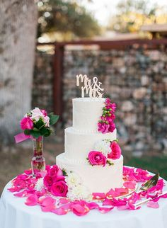 Fuchsia Wedding Cake / http://www.deerpearlflowers.com/fuchsia-hot-pink-wedding-color-ideas/