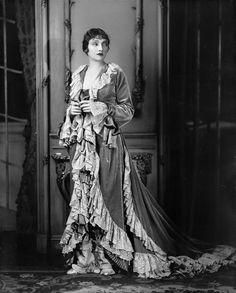 Katharine Cornell in The Age of Innocence (1929). Costume designed by Berbier abd executed by 'Worth of Paris'.