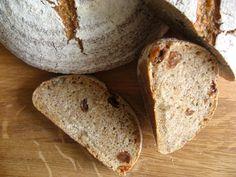 Pan integral con pasas y nueces