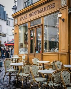 Cafe Montmartre in Montmartre, Paris, France Montmartre Paris, Paris France, France City, France Photography, Travel Photography, Photography Ideas, Holiday Photography, Photography Lighting, Paris Travel