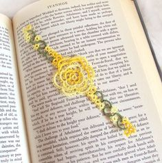 Yellow Rose Bookmark in Tatting Lace , Spring / Summer Wedding Favour , Variegated - Rosa Version 1
