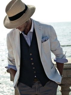 Men's Fashion tips. Dress with dapper and wear the proper attire with our men's style guide. Find male grooming advice, the best menswear and helpful tips. Der Gentleman, Gentleman Style, Sharp Dressed Man, Well Dressed Men, Mens Fashion Suits, Mens Suits, Suit Men, Mode Chic, Classy Men