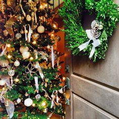 White Christmas tree and wreath