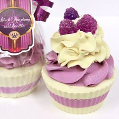 Black Raspberry & Vanilla, Natural Goat's milk.....SOAP. I want to cry now. I really wanted a cupcake ):