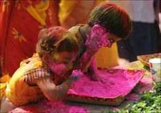 Holi, the festival of color in India. I would love to see what the sewers look like after this. Holi Festival India, Holi Festival Of Colours, Holi Colors, India Colors, Beautiful Children, Beautiful People, Mother India, Amazing India, Amazing Photos