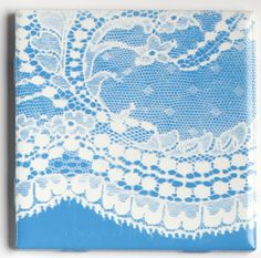 lace stenciled coasters - good tutorial