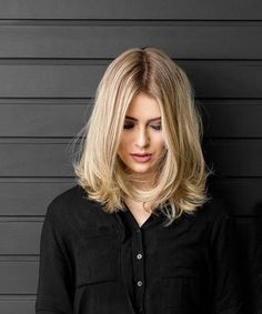 Cute-Simple-Hairstyles-for-Shoulder-Length-Hair.jpg - Cute-Simple-Hairstyles-for-Shoulder-Length-Hair. Medium Long Hair, Medium Hair Styles, Short Hair Styles, Medium Length Hair Blonde, Long Bob Blonde, Short Wavy, Dark Blonde, Cute Simple Hairstyles, Cool Hairstyles