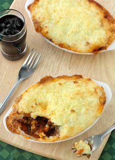 Guinness Shepherd's Pie #healthy #dinner #recipes http://greatist.com/eat/healthy-dinner-recipes-for-two