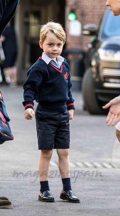 La Duquesa de Cambridge fue la gran ausente en el primer día de colegio del príncipe George, que llegó acompañado de su padre, el príncipe Guillermo.