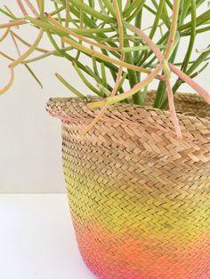 How to tie-dye a jute hanging basket. #JenniferPerkins #diy #diyproject #crafts #crafty #CreateEveryday #DoItYourself