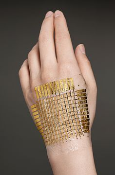 Someya's latest material ..Bionic Skin for a Cyborg You Flexible electronics allow us to cover robots and humans with stretchy sensors