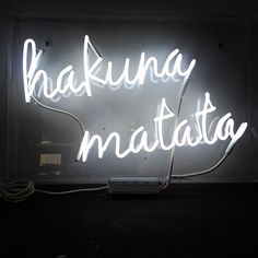 hakuna Matata, loving this custom sign made for a client, have an awesome Friday everyone! #friday #neon #neonsign #customsign #customneon #endeavourneon #interiordesign #instadaily #hakunamatata #almosttheweekend