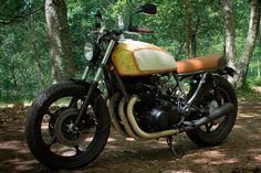 Suzuki GS850 Cool Motorcycles, Vintage Motorcycles, Suzuki Cafe Racer, Cafe Racers, Brat Cafe, Custom Cafe Racer, Cafe Bike, Street Tracker, Moto Bike