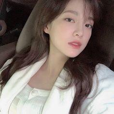 Jung Chaeyeon, Kim Sejeong, Jellyfish Entertainment, Pretty Korean Girls, The Uncanny, Korean Actresses, Ioi, Sehun, Asian Girl