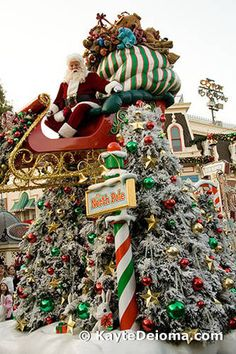 Image detail for -Santa Claus in the Disneyland Christmas Fantasy Parade