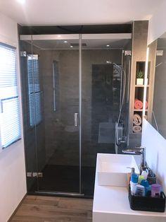 Kein Bad Ist Zu Klein Für Eine Dampfdusche! Wellness Braucht Nicht Viel  Platz   Nur