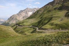 The amazing experience of cycling mountains and watching the Tour de France #TdF2017 | Fabulous Outdoors blog