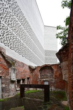 Bach_5596 Peter Zumthor, Cultural Architecture, Space Architecture, Kolumba Museum, Different Architectural Styles, Adaptive Reuse, Urban Design, Exterior Design, Brick