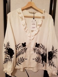 1949daa9 39.99 | ZARA SPECIAL EDITION EMBROIDERED BLOUSE 7521/220 Size M, Color Off