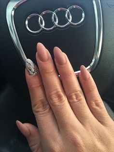 Marble/nude matte nails(: