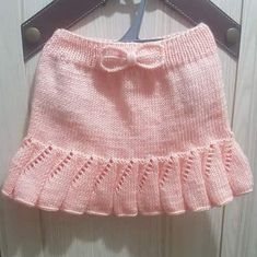 How To Knit Easy Child Skirt With Flywheel / Ruffled Bow Trim. 3 years old How To Knit Easy Child Skirt With Flywheel / Ruffled Bow Trim. Knitting Wool, Easy Knitting, Baby Girl Skirts, Baby Dress, Crochet Baby Clothes, Knit Skirt, Crochet Fashion, Baby Knitting Patterns, Crochet For Kids