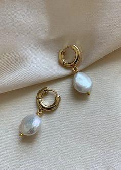earrings simple Pearl Hoops - Pearl Earrings Gold - Gold Hoop Earrings - Baroque Pearl Earrings - Gold Hoops - Pearl Hoop Earrings - Bridesmaids P Diamond Hoop Earrings, Sapphire Earrings, Rose Gold Earrings, Pearl Earrings, Shell Earrings, Vintage Earrings, Pearl Jewelry, Gold Jewelry, Beaded Jewelry