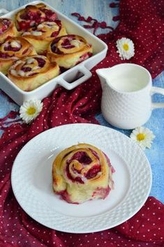Rulouri cu zmeura - CAIETUL CU RETETE Sweets Recipes, Easter Recipes, Cake Recipes, Best Cinnamon Rolls, Homemade Sweets, Fire Cooking, Romanian Food, Healthy Sweets, Sweet Desserts